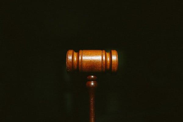 Hamer als symbool voor rechtsprekende macht in hoger beroep